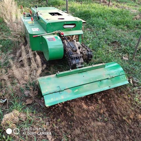 果园新型履带式开沟施肥机厂家直销