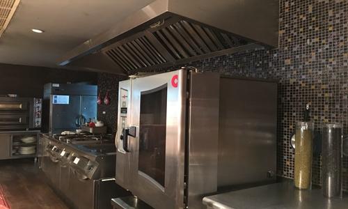 """共享厨房为商户带来实惠 厨房秒速赛车再添""""一把火"""""""